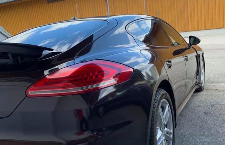 Porsche Panamera 4- Details Folgen in Kürze voll
